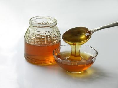 أهم الفيتامينات بالعسل أهميتها و فائدتها في جسم الانسان